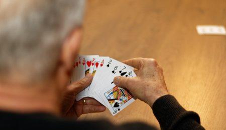 jogo de cartas, inteligência emocional