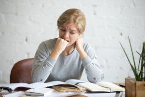 Estudante com crise de ansiedade