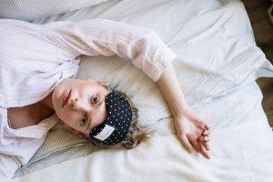 insônia paralisia do sono mulher dormindo