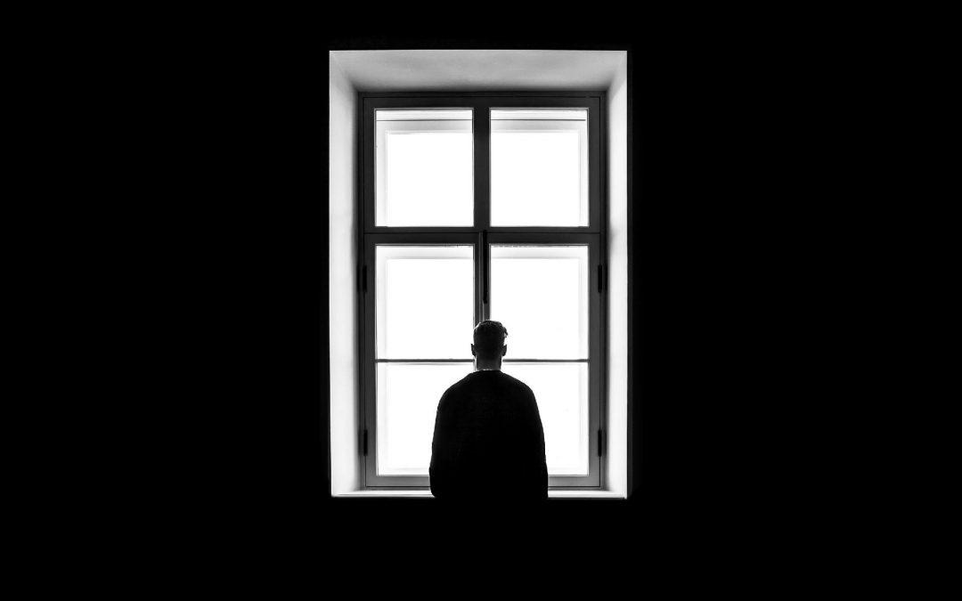 Solidão: o que é? 10 dicas para se sentir menos sozinho