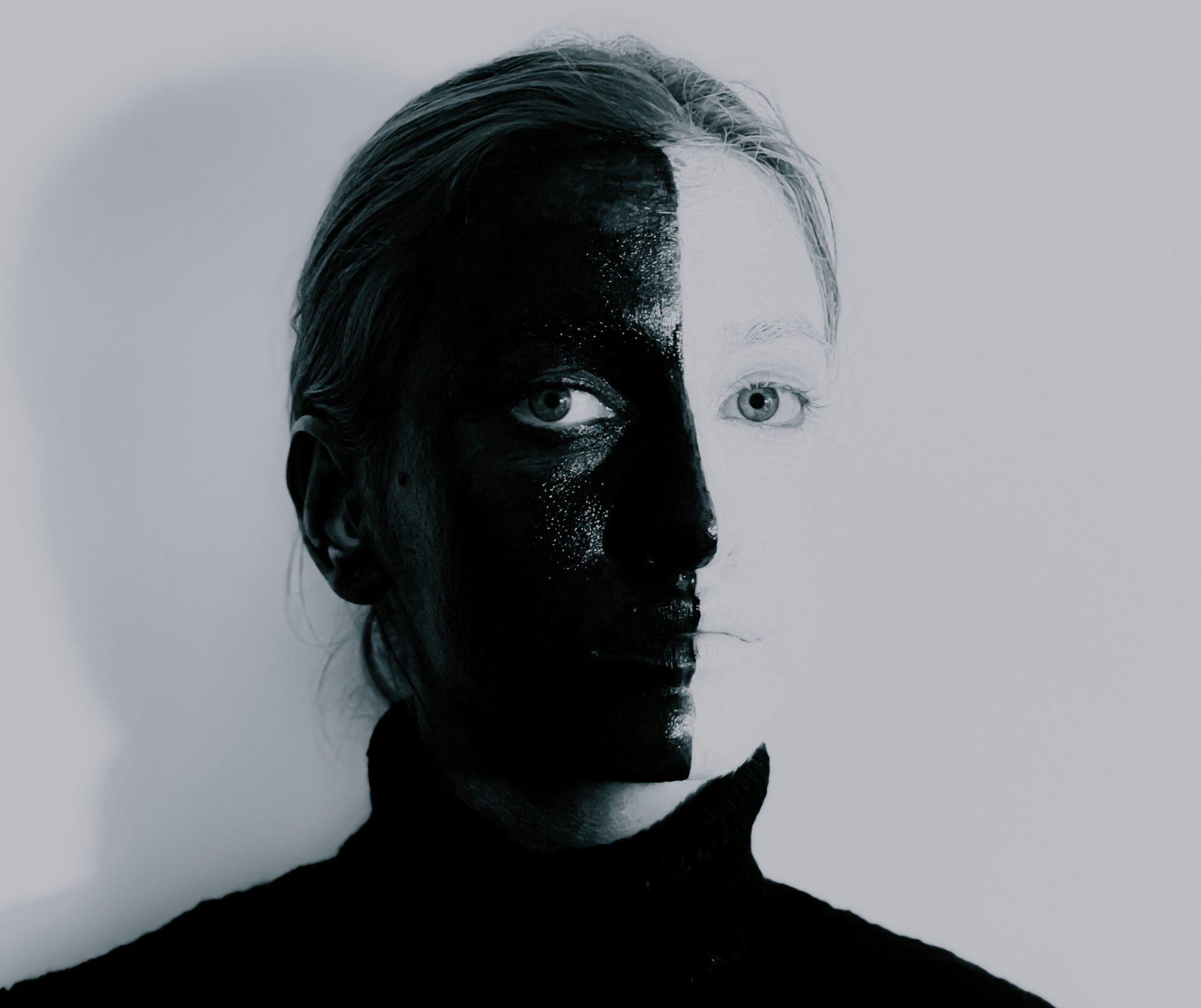 pessoa representando alguém com ciclotimia